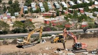 Construction in the West Bank settlement of Ariel (September 2010)