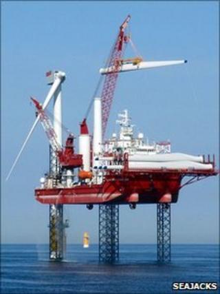 Seajacks Leviathan installing wind turbine blades (Photo: Seajacks)
