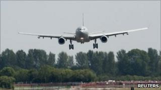 Voyager arrives at RAF Fairford