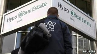 Hypo Real Estate branch (file photo 2009)
