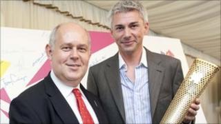 Albert Owen MP with former British triple jumper Jonathan Edwards