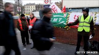 The RMT and TSSA picket line
