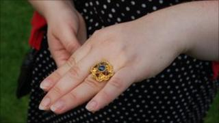 Sapphire ring purchased by the Yorkshire Museum