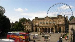 Artists impression of how York Wheel would have appeared behind the art gallery. Copyright: Great City Attractions Ltd