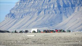 The BSES base camp in Von Postbreen