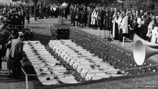 Mitcham Road Cemetery in August 1961 for the burial of 33 of the boys and one teacher