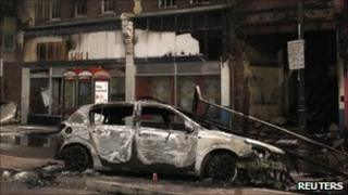 Burnt out car in Tottenham