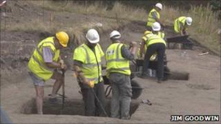 Archaeologists dig on Pontefract site