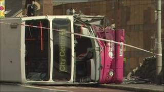 Route 4a bus overturned