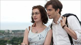 Anne Hathaway as Emma and Jim Sturgess as Dexter
