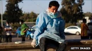 Man at Abu Salim hospital, Tripoli (26/08/11)