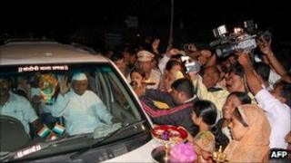 Anna Hazare returns to his village of Ralegan Siddhi on 31 August 2011