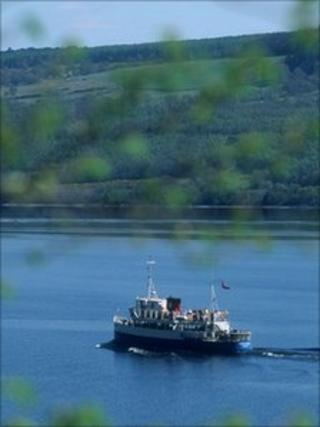 Jacobite Queen sailing on Loch Ness (Pic by P Tomkins, Scottish Viewpoint)
