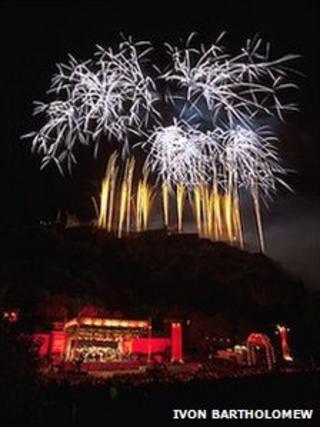 Edinburgh International Festival Fireworks Pic: Ivon Bartholomew