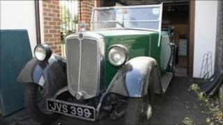 Morris Minor Tourer donated to Kent charity Find A Voice