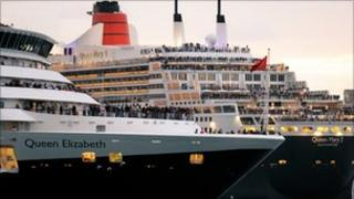 Cunard cruise liners