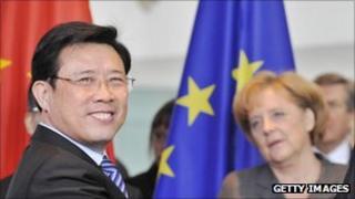 Liang Wengen with Angela Merkel in Berlin in January 2009