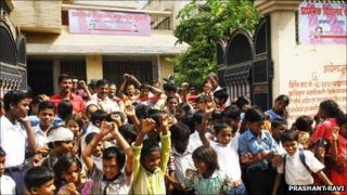 Children from Musahar community expressing joy