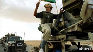 Anti-Gaddafi fighters move on Bani Walid, 9 Sept