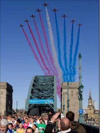 Red Arrows flying over the Tyne Bridge Photo: John Thirwall