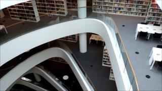 New University of Aberdeen library
