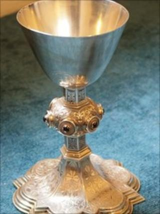 Picture of chalice from another church which is similar to the stolen items
