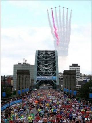 The Red Arrows fly over the Tyne Bridge