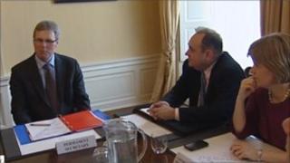 Sir Peter Housden speaking to Alex Salmond and Nicola Sturgeon