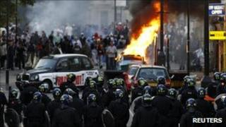 Rioters in Hackney on 8 August 2011