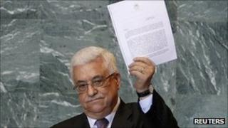 Mahmoud Abbas shows UN request - 23 September