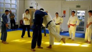 Brazilian judo team training in Sheffield with Sheffield Hallam students