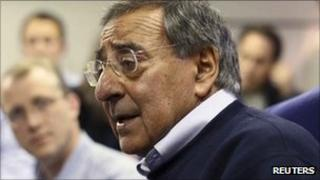 US Secretary of Defence Leon Panetta talks to reporters on Air Force plane to Israel - 2 October 2011