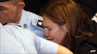 Amanda Knox reacts to her acquittal
