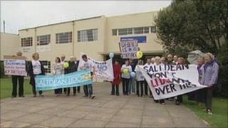 Saltdean Lido demonstration