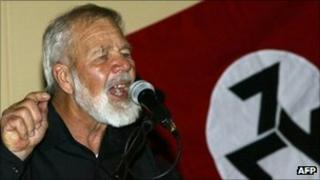 A photo taken on June 11, 2004 shows South African white supremacist Eugene Terreblanche during press conference after being released from prison in Potchefstroom.