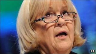 Ysgrifennydd Cymru Cheryl Gillan AS