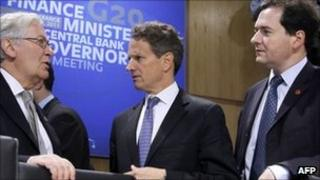 (L-R) Governor of the Bank of England Mervyn King, US Treasury Secretary Timothy Geithner, UK finance minister George Osborne