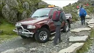 Vehicle on Snowdon