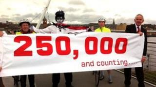 250,000th visitor to the Peace Bridge