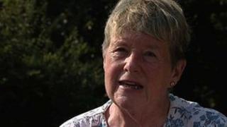 Yr Athro Bonesig June Clark