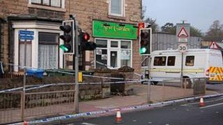 Police cordon in Chesterfield Road South