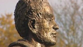 Maidstone statue