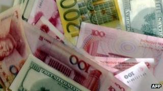 Yuan dollar and euro notes