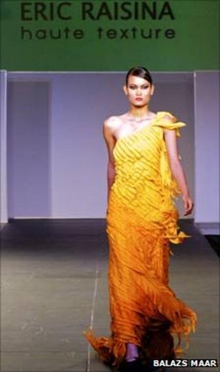 Eric Raisina dress
