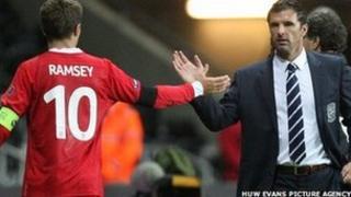 Aaron Ramsey a Gary Speed