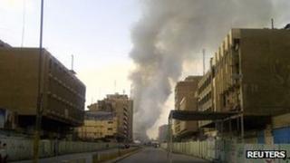 Smoke rises from the Shurja market in Baghdad, Iraq (6 Nov 2011)