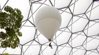 Eden's rainforest balloon