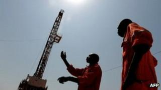 Oil workers in Unity state, South Sudan (Archive shot November 2010)
