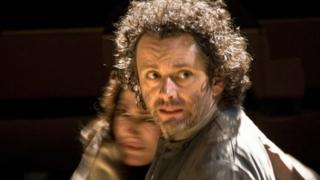 Michael Sheen as Hamlet with Sally Dexter as Gertrude