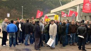 Protest involving union members